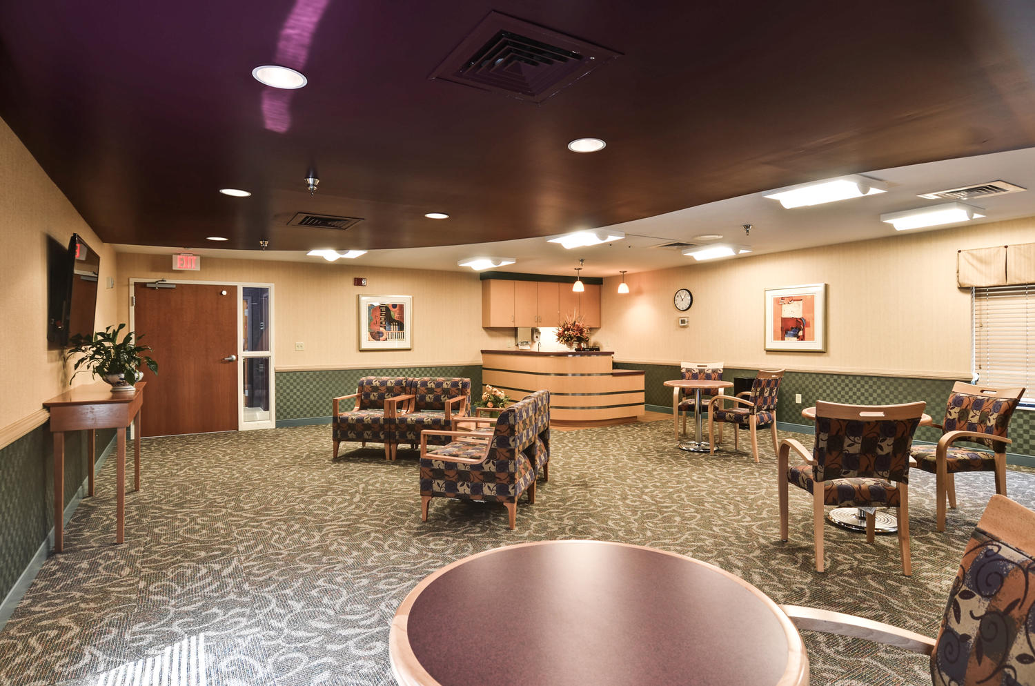 Stonerise Clarksburg internet cafe with seating areas and TV