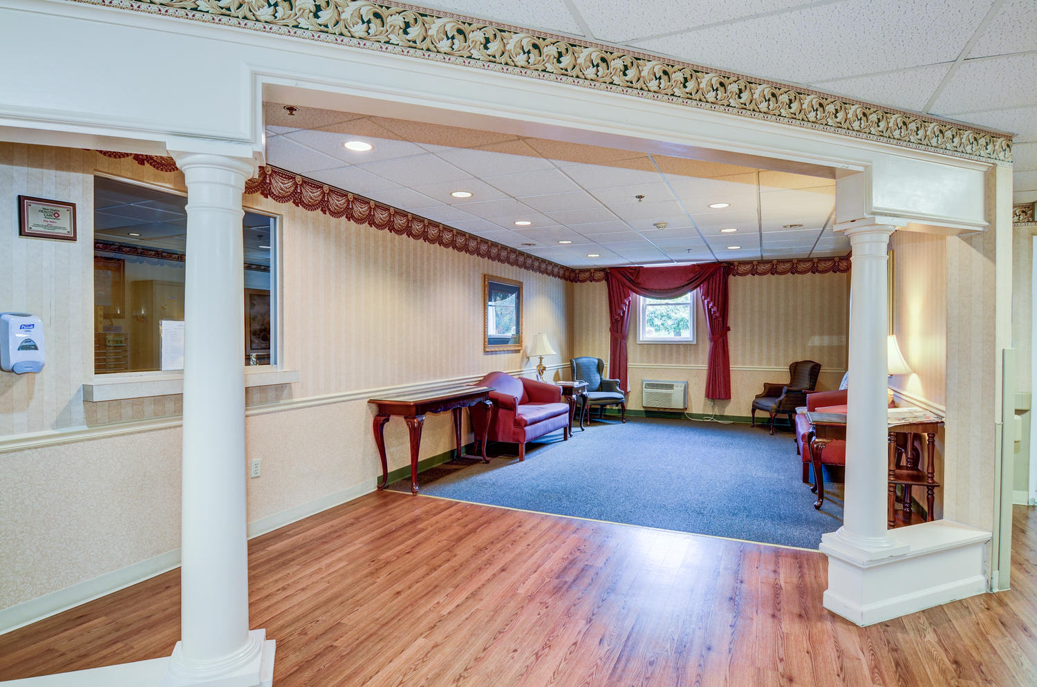 Stonerise Lewisburg lobby with columns and reception window