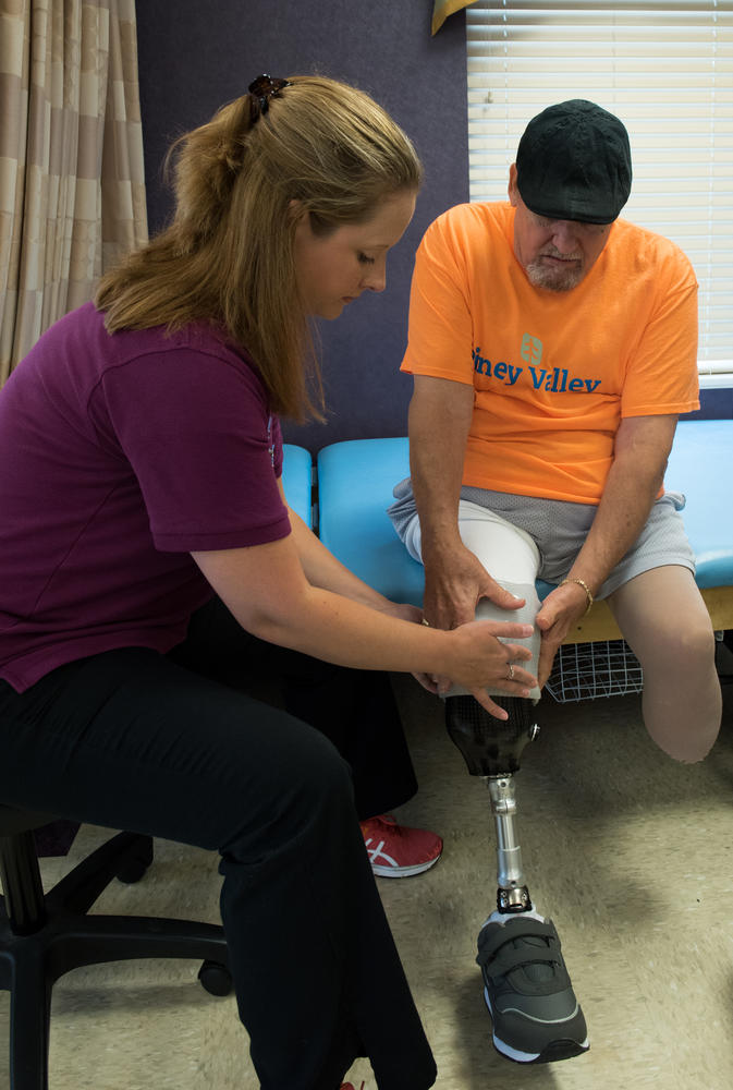 Stonerise Keyser patient and team member during Physical Therapy session