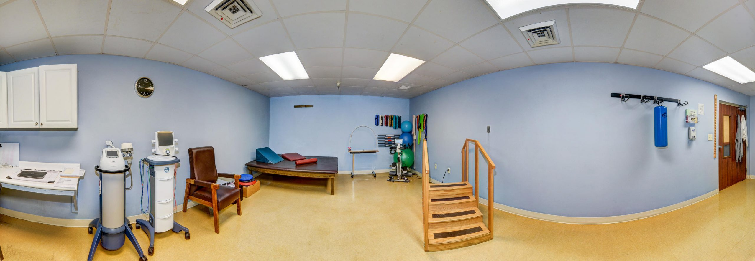 Panoramic view of Stonerise Wellsburg Therapy and Rehabilitation room with equipment