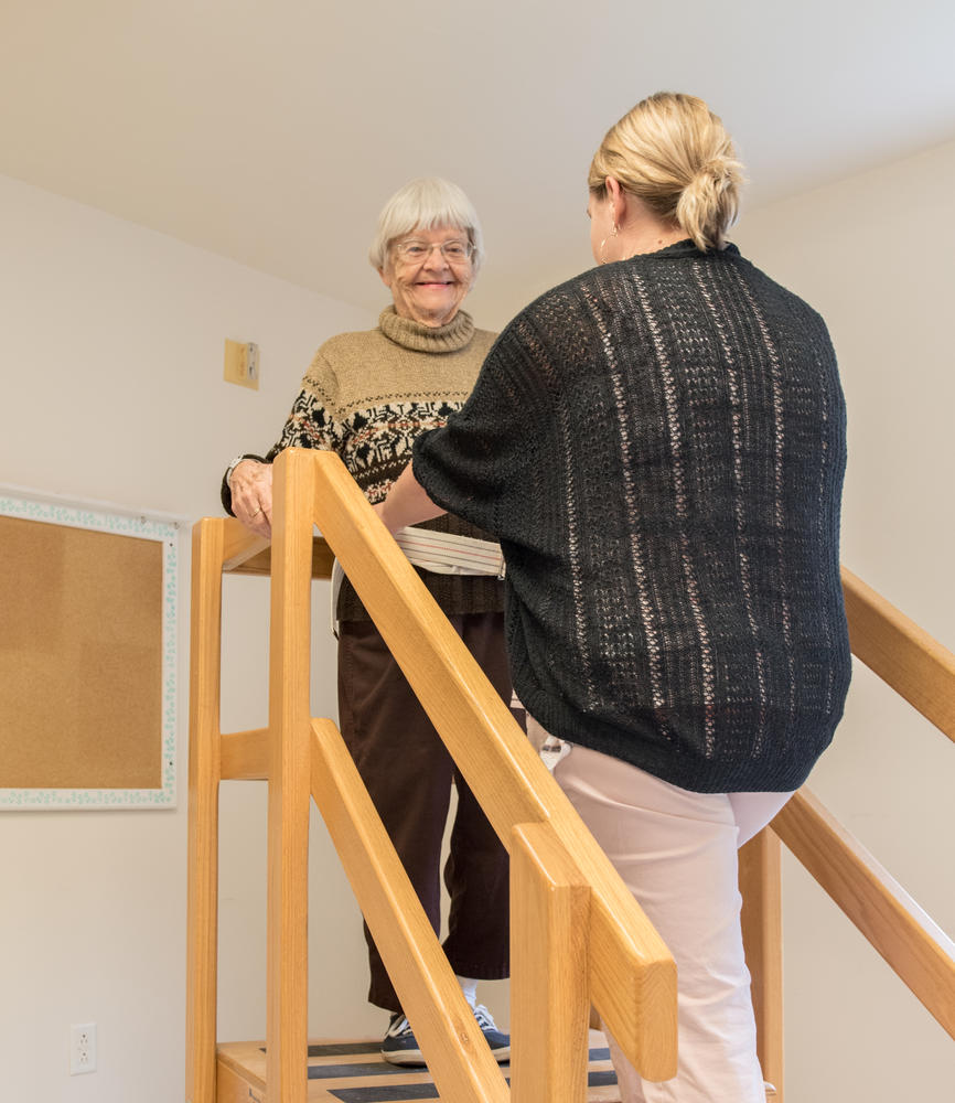 Stonerise Berkeley Springs patient climbing stairs during a Physical Therapy session
