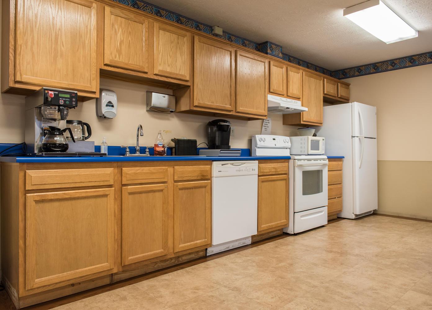 Kitchen area in Stonerise Lewisburg Rehabilitation room
