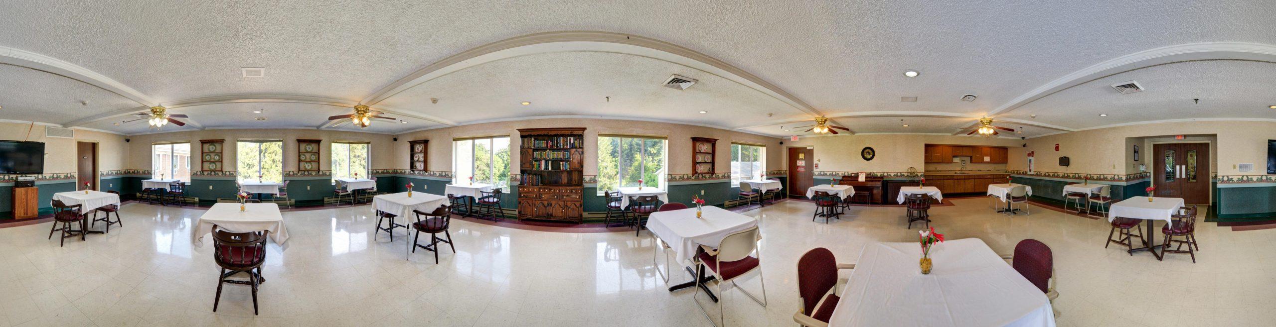 Panoramic view of Stonerise Wellsburg dining room