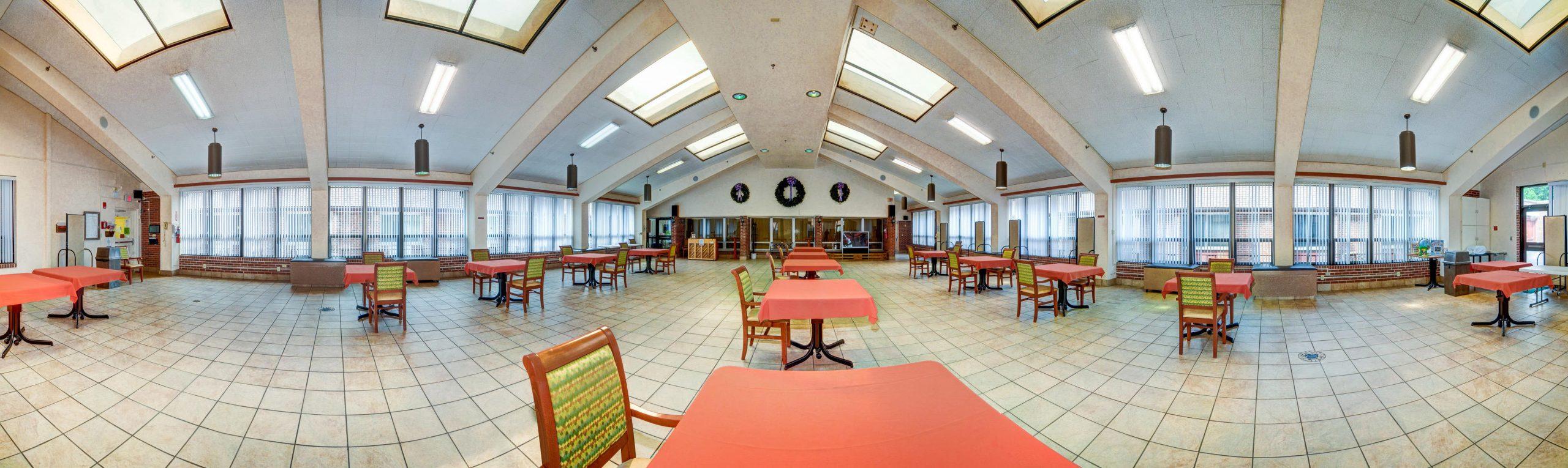 Panoramic view of Stonerise Princeton dining room