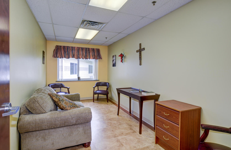 Seating area in Stonerise Lewisburg chapel