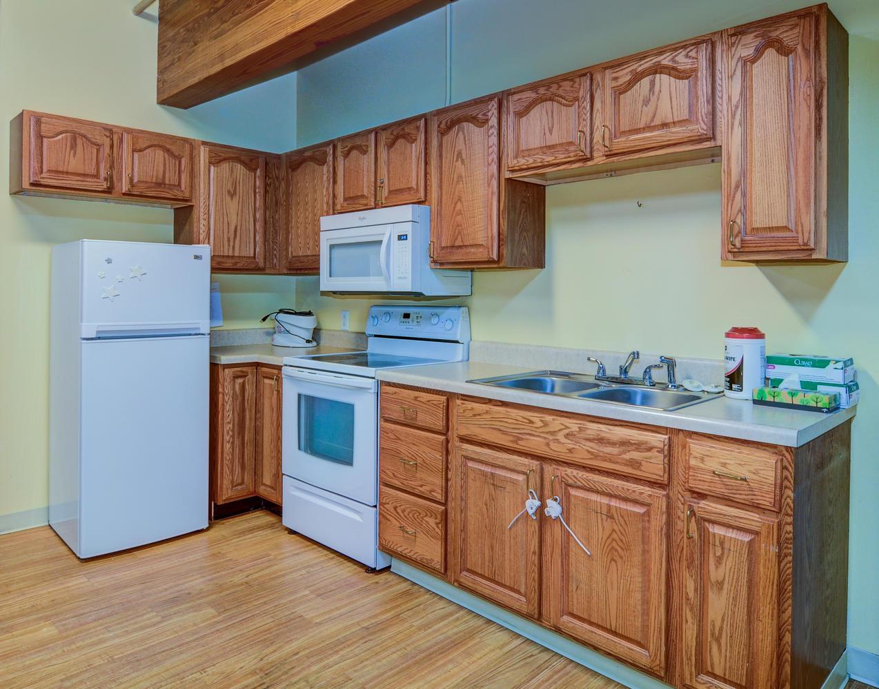 Kitchen area in Stonerise Parkersburg Rehabilitation room