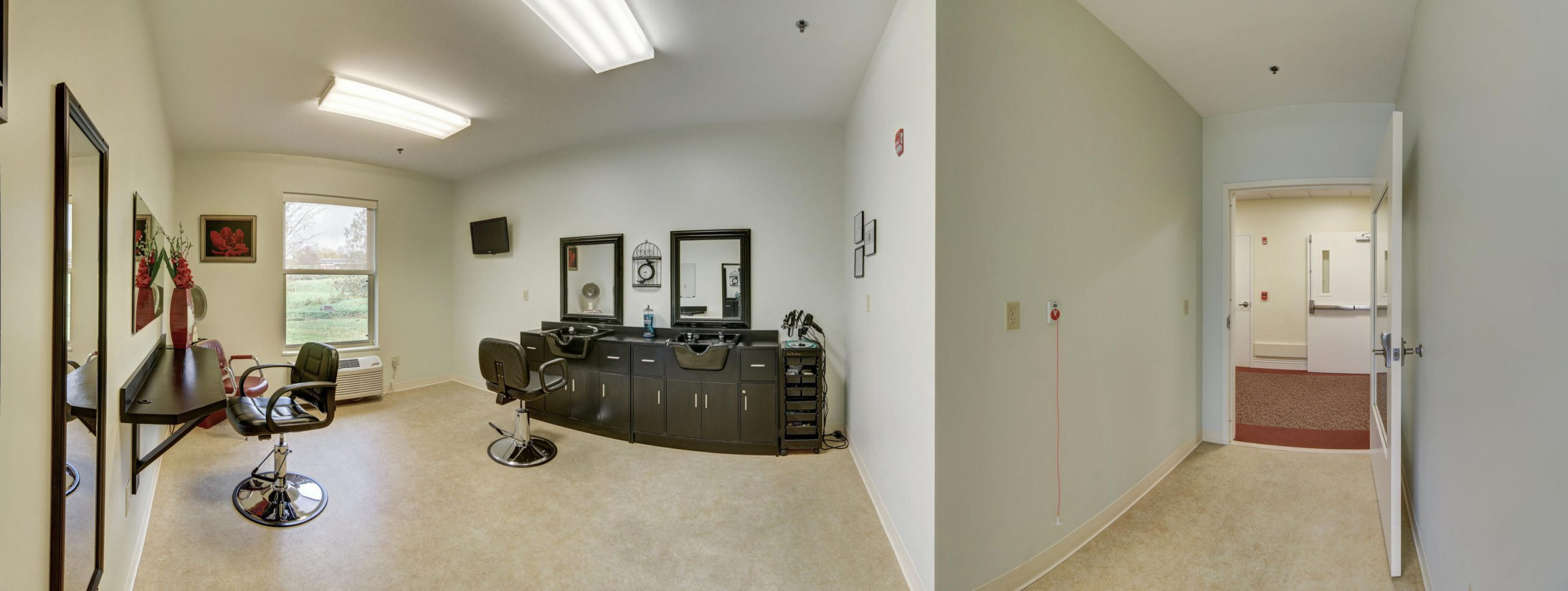 Panoramic view of Stonerise Lindside beauty salon and hallway