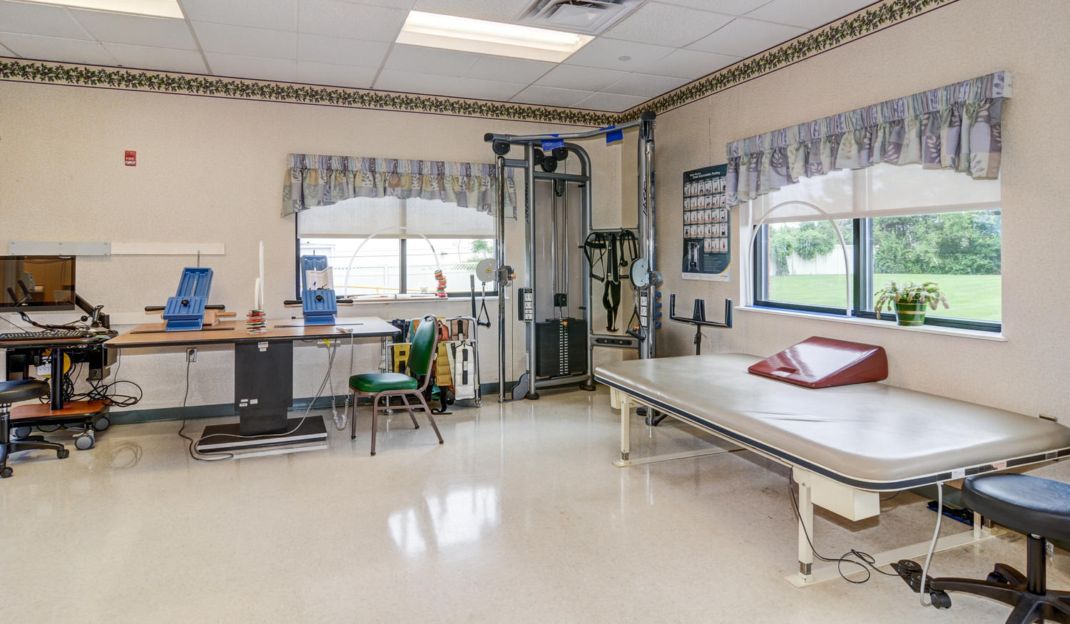 Stonerise Martinsburg therapy and rehabilitation gym interior