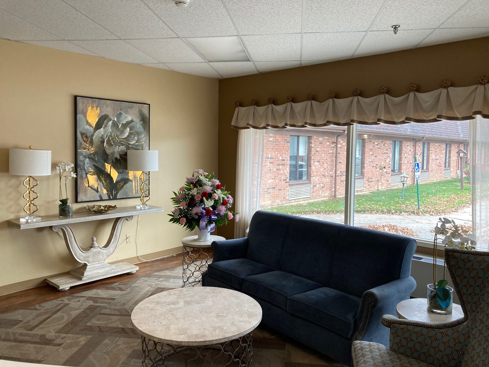 Stonerise Moundsville skilled nursing home and transitional care facility lobby